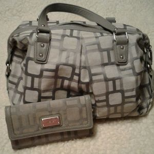 Nine west hand bag and matching wallet combo